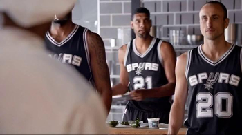 H-E-B TV Spot, 'Cooking Class' Featuring Tony Parker, LaMarcus Aldridge - Thumbnail 7