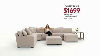 Macy's Spring Furniture Sale TV Spot, 'Sectionals' - Thumbnail 4
