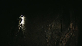 DURACELL TV Spot, 'Escalando toda la noche' con Kevin Jorgeson' [Spanish] - Thumbnail 4