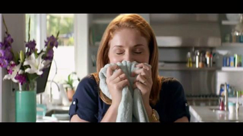 Downy Unstopables TV Spot, 'Luxurious 12-Week Scent' - Thumbnail 1