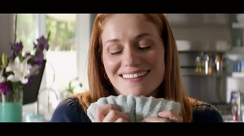 Downy Unstopables TV Spot, 'Luxurious 12-Week Scent'