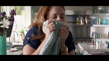 Downy Unstopables TV Spot, 'Luxurious 12-Week Scent' - Thumbnail 7