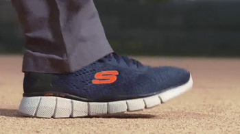 SKECHERS Relaxed Fit TV Spot, 'Hall of Famer Shoes' Featuring Ozzie Smith - Thumbnail 4