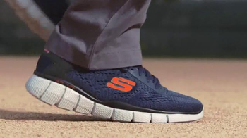 SKECHERS Relaxed Fit TV Spot, 'Hall of Famer Shoes' Featuring Ozzie Smith - Thumbnail 5