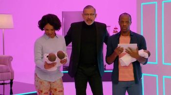 Apartments.com TV Spot, 'Bundle of Joy' Featuring Jeff Goldblum - Thumbnail 8