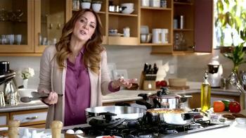 Royal Prestige TV Spot, 'Suegrita' con Andrea Legarreta [Spanish] - Thumbnail 5