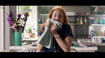 Downy Unstopables Scent Boosters TV Spot, 'Lujoso aroma' [Spanish] - Thumbnail 8