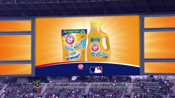 Arm and Hammer Plus OxiClean Detergent TV Spot, 'A Whole New Ballgame' - Thumbnail 6