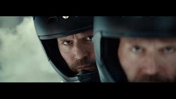 LG G5 TV Spot, 'World of Play' Featuring Jason Statham, Song by Busy Signal - Thumbnail 6