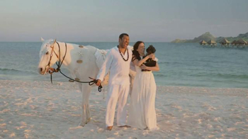 Booking.com TV Spot, 'Destination Wedding' Ft Jordan Peele, Chelsea Peretti - Thumbnail 6