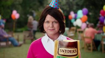 Snyder's of Hanover TV Spot, 'Backyard BBQ' - Thumbnail 3