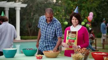 Snyder's of Hanover TV Spot, 'Backyard BBQ' - Thumbnail 7