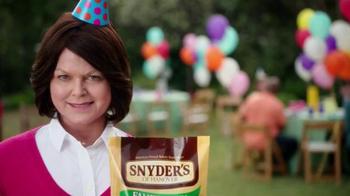 Snyder's of Hanover TV Spot, 'Backyard BBQ' - Thumbnail 9