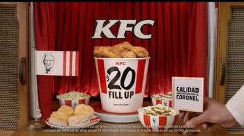 KFC $20 Family Fill Up TV Spot, 'Garantía de calidad' [Spanish] - Thumbnail 10