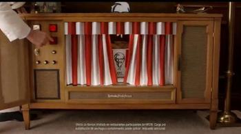 KFC $20 Family Fill Up TV Spot, 'Garantía de calidad' [Spanish] - Thumbnail 2