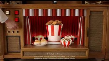 KFC $20 Family Fill Up TV Spot, 'Garantía de calidad' [Spanish] - Thumbnail 4