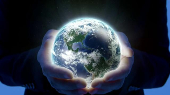 Apartments.com TV Spot, 'Earth' Featuring Jeff Goldblum - Thumbnail 2