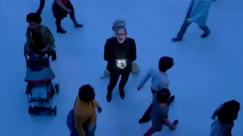 Apartments.com TV Spot, 'Earth' Featuring Jeff Goldblum - Thumbnail 6