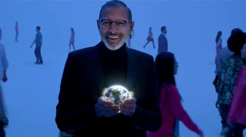 Apartments.com TV Spot, 'Earth' Featuring Jeff Goldblum - Thumbnail 9