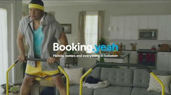 Booking.com TV Spot, 'Beach Booty' Featuring Jordan Peele, Chelsea Peretti - Thumbnail 4