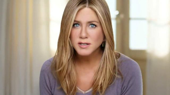 Aveeno Absolutely Ageless TV Spot, 'Beauty Sleep' Feat. Jennifer Aniston - Thumbnail 9