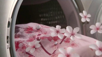 Snuggle Exhilarations Cherry Blossom TV Spot, 'Bloom' - Thumbnail 3