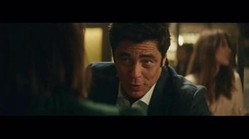 Heineken TV Spot, 'Special Gift' Featuring Benicio del Toro - Thumbnail 3