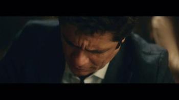 Heineken TV Spot, 'Special Gift' Featuring Benicio del Toro - Thumbnail 5
