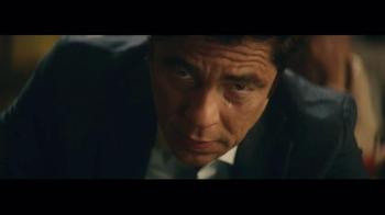Heineken TV Spot, 'Special Gift' Featuring Benicio del Toro - Thumbnail 6