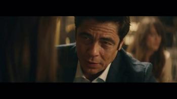 Heineken TV Spot, 'Special Gift' Featuring Benicio del Toro - Thumbnail 7