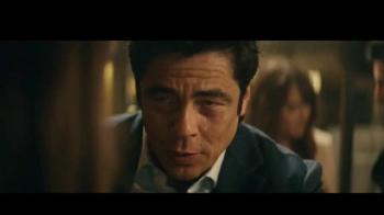 Heineken TV Spot, 'Don especial' con Benicio del Toro [Spanish] - Thumbnail 7