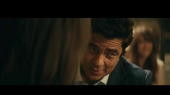 Heineken TV Spot, 'Don especial' con Benicio del Toro [Spanish] - Thumbnail 8
