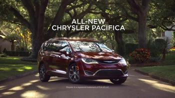 2017 Chrysler Pacifica TV Spot, 'Tennis, Strong Dad Brand' Ft. Jim Gaffigan - Thumbnail 9