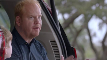 2017 Chrysler Pacifica TV Spot, 'Tailgate' Featuring Jim Gaffigan - Thumbnail 5