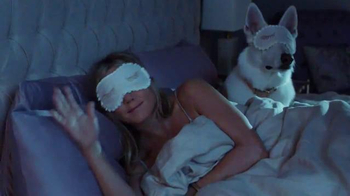 Aveeno Absolutely Ageless TV Spot, 'Sueño' con Jennifer Aniston [Spanish] - Thumbnail 5