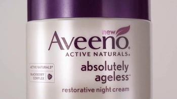 Aveeno Absolutely Ageless TV Spot, 'Sueño' con Jennifer Aniston [Spanish] - Thumbnail 6