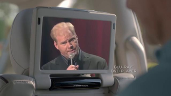 2017 Chrysler Pacifica TV Spot, 'One on One, German' Featuring Jim Gaffigan - Thumbnail 5
