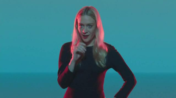 Apple Watch TV Spot, 'Find' Featuring Chloë Sevigny, Song by Santigold - Thumbnail 5