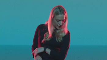 Apple Watch TV Spot, 'Find' Featuring Chloë Sevigny, Song by Santigold - Thumbnail 7