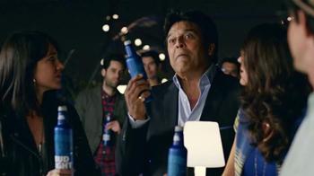 Bud Light TV Spot, 'Bud Light Party: Nuevo Look' con Michael Peña [Spanish] - Thumbnail 10