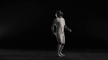 MLS Works TV Spot, 'No cruces la línea' [Spanish] - Thumbnail 1