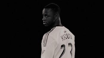 MLS Works TV Spot, 'No cruces la línea' [Spanish] - Thumbnail 9