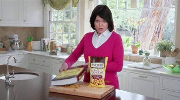 Snyder's Pretzel Pieces of Hanover TV Spot, 'For Your Own Good' - Thumbnail 6