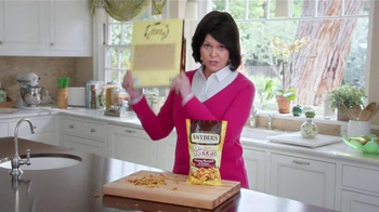 Snyder's Pretzel Pieces of Hanover TV Spot, 'For Your Own Good' - Thumbnail 7