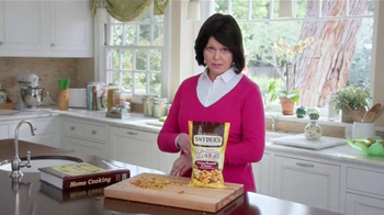 Snyder's Pretzel Pieces of Hanover TV Spot, 'For Your Own Good' - Thumbnail 8