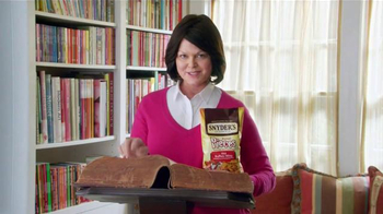 Snyder's of Hanover Pretzel Pieces TV Spot, 'Dictionary' - Thumbnail 4