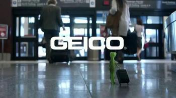 GEICO TV Spot, 'Baggage Claim: Gecko Journey' - Thumbnail 9