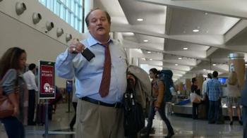 GEICO TV Spot, 'Baggage Claim: Gecko Journey' - Thumbnail 6