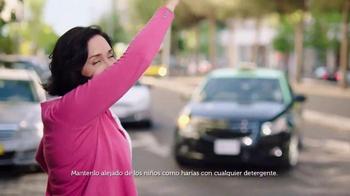 Gain Detergent TV Spot, 'Travel Day' canción de Tag Team [Spanish] - Thumbnail 2