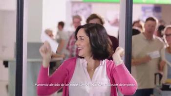 Gain Detergent TV Spot, 'Travel Day' canción de Tag Team [Spanish] - Thumbnail 5